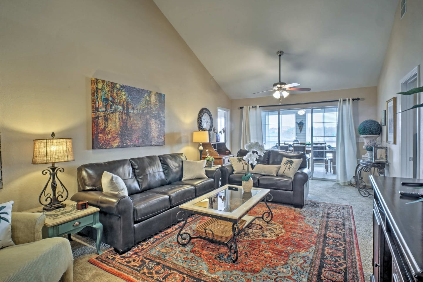 Plan your next family vacation at this beautiful Branson condo.