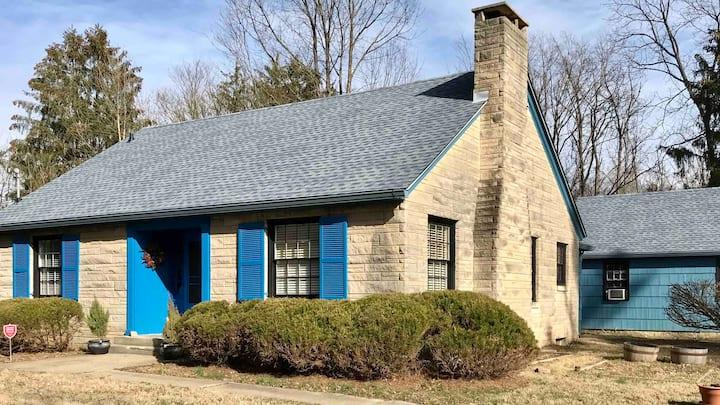 Blue Limestone Cottage on North Headley Road