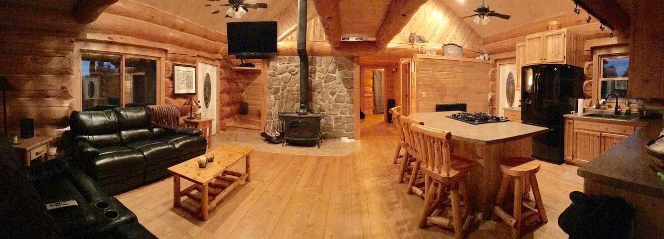 SOUTH COUNTRY LODGE - Michigan's Upper Penninsula