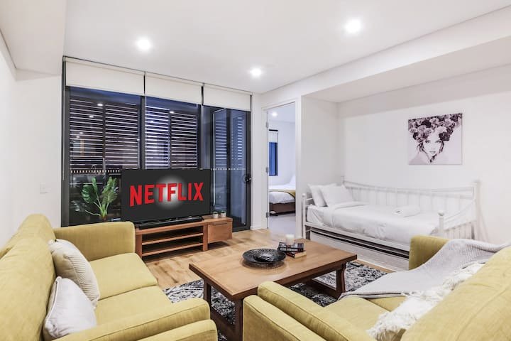 Spacious apt for Groups@Darling Harbour (Free P.)