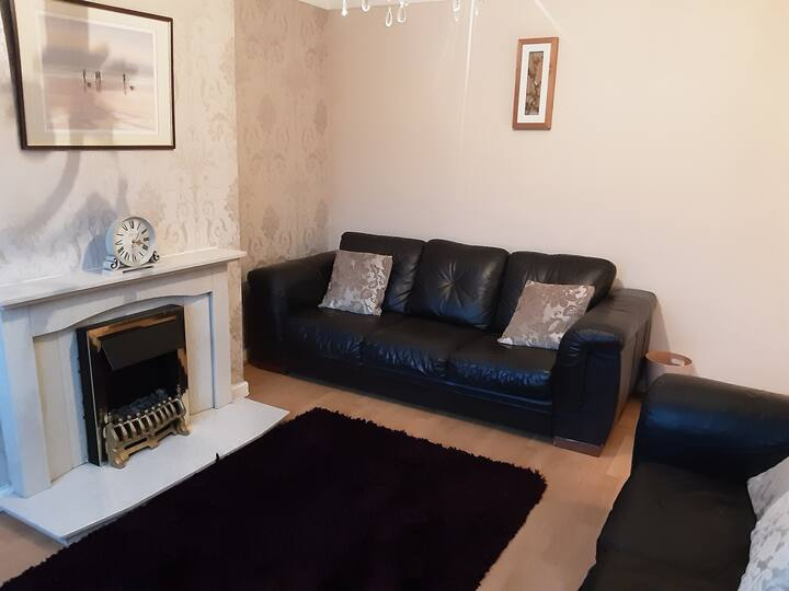 Beautiful 2-Bed House in Chester