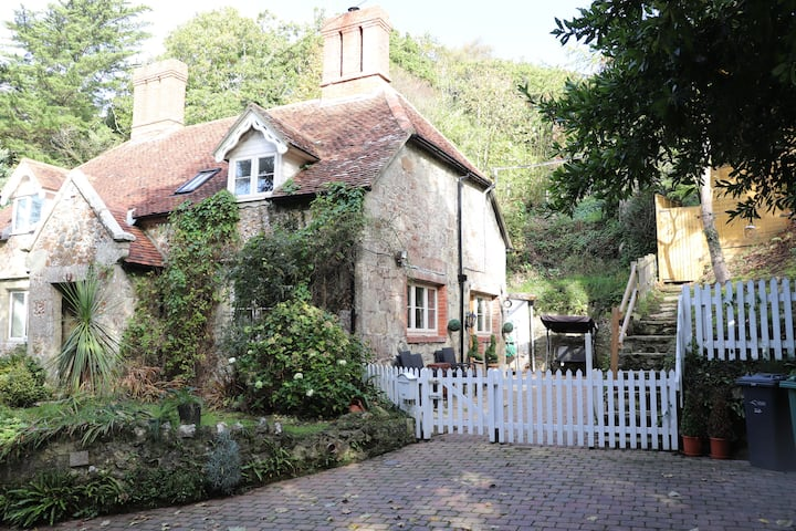 1 Apse Castle Cottages Luxury Cottage in Shanklin