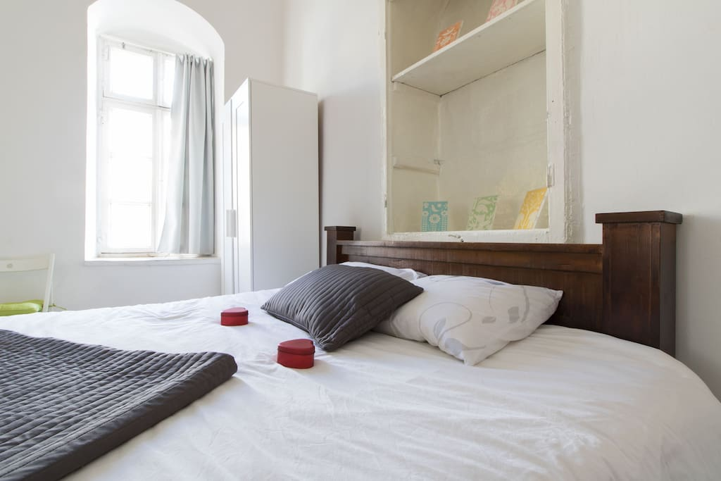 King Size Super Comfy Bed!