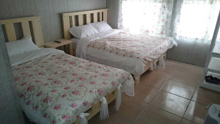 清境好家寨別館三人套房擁有舒適的睡眠空間有超級無敵景觀台上的風景交通好 - 南投縣 - Andere