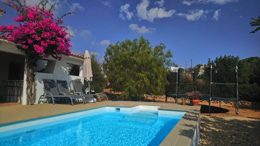 Private Villa, Heated Pool, Floor heating, 5 Acres