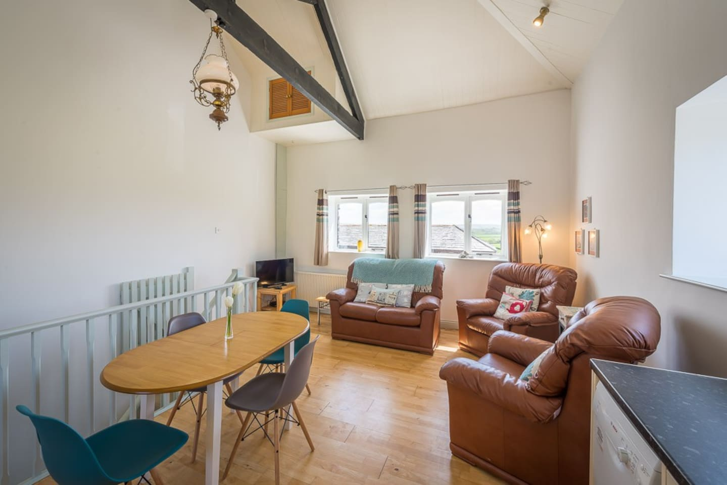 bude cottage with hot tub in cornwall