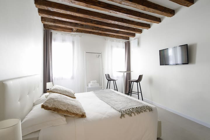 Accademia Charm Apartment n.1