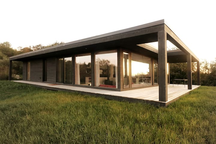 Seeblick Haus-Modern Cabin with Water Views