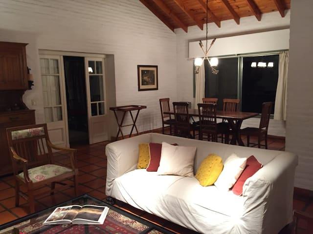 Casa en Chacras de Murray - Pilar - บ้าน
