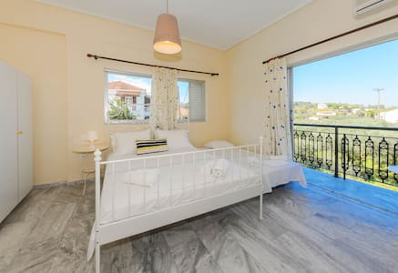 Triple Room with Balcony or Veranda - Argassi - Other
