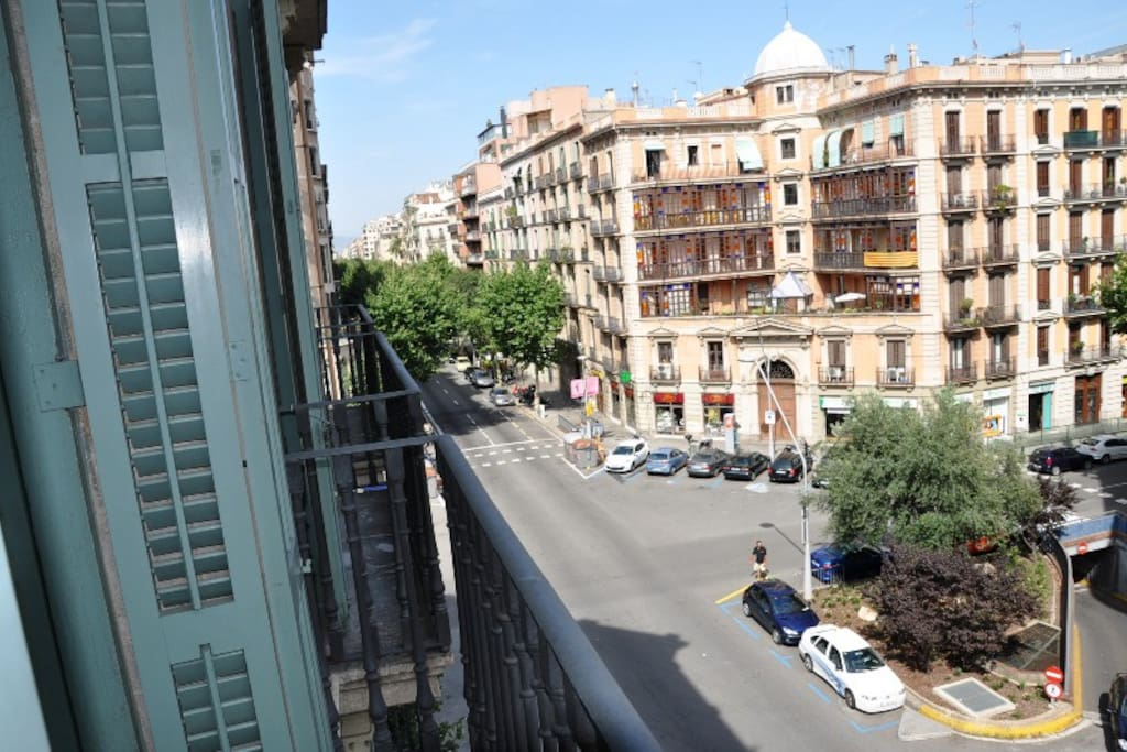 Central apartment fo 5 guests 3 bedrooms g5 apartments for Central apartments barcelona
