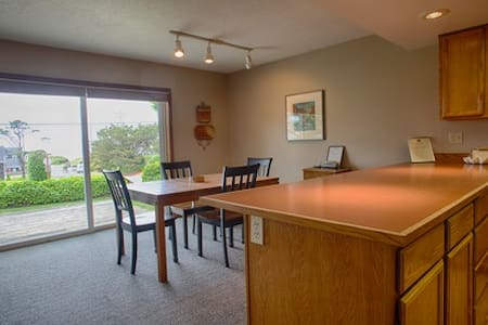 Sand Castle Condominium - 2 bedroom 2 bath - Cannon Beach - Departamento