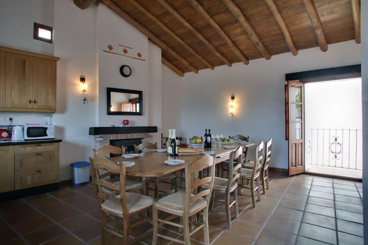 Casa Pilar, Alpandeire, Sleeps 8-12