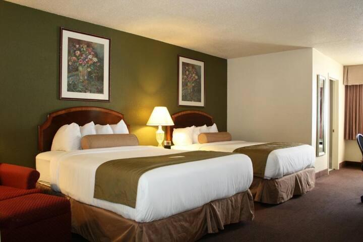 Pleasant Double Room In Milwaukee