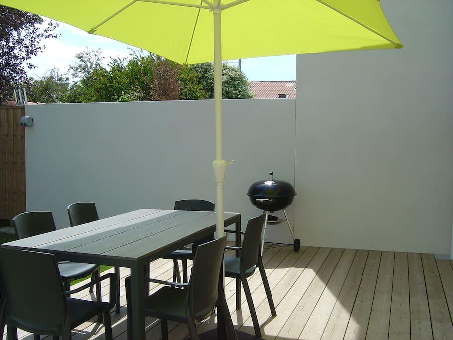 maison 3 chambres jardin vieux port pieds casas en alquiler en la rochelle poitou. Black Bedroom Furniture Sets. Home Design Ideas