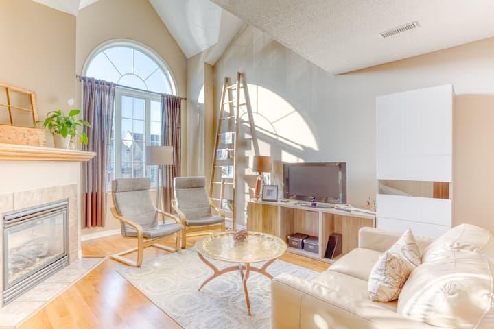 Modern Comfort - Condo Loft - Convenience -Kanata