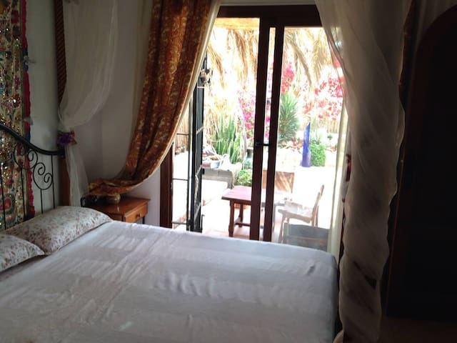 nice room ibz center near beach