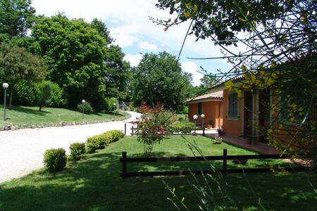 charming country house near Rome - Canale Monterano