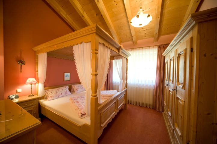 A romantic taste of Tyrolia - 2 BR - Ehrwald - Apartment