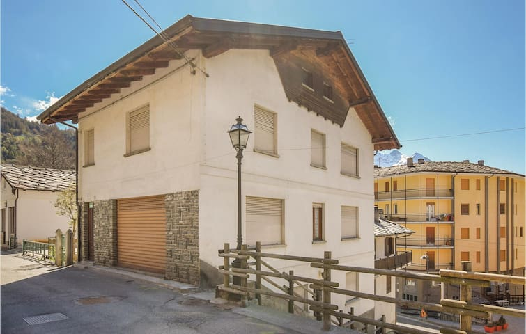 Semi-Detached with 3 bedrooms on 80m² in Brusson AO