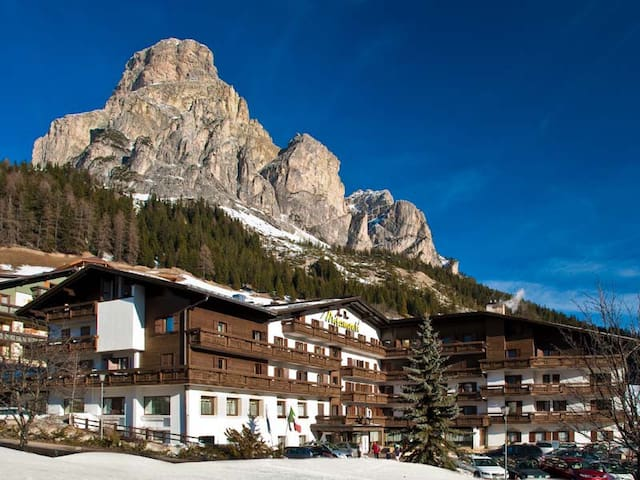 Corvara, l'incanto delle Dolomiti