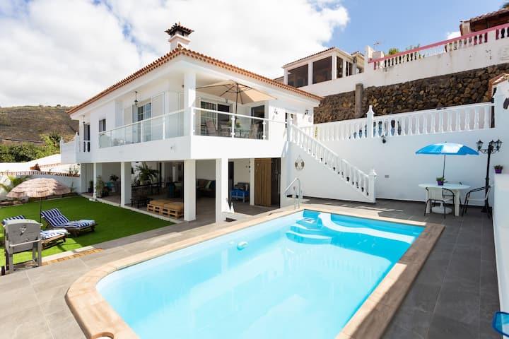 Enamórate de la Isla en Nuestra Exclusiva Villa
