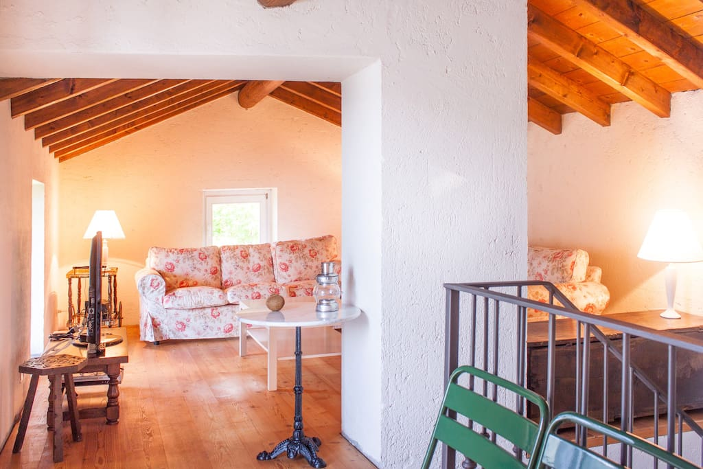 Casa vista lago como con giardino case in affitto a for Piani di casa con 5 camere da letto con stanza bonus