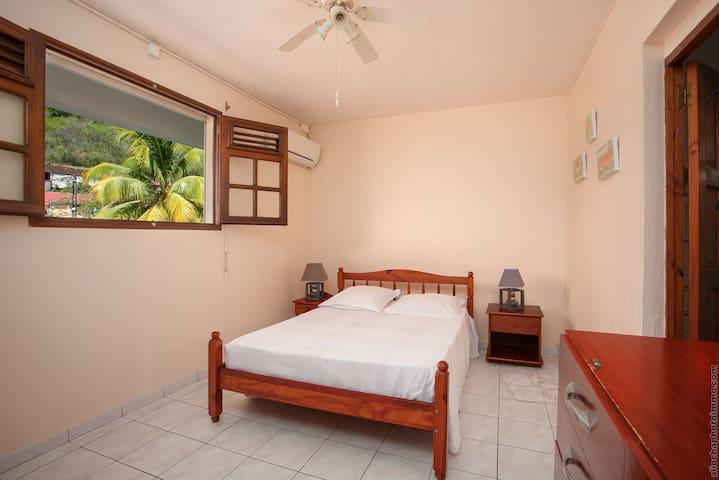 chambre 1 ( lit 140)  climatisée
