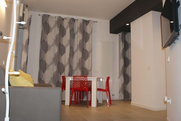 Apartament Romeos Quadri