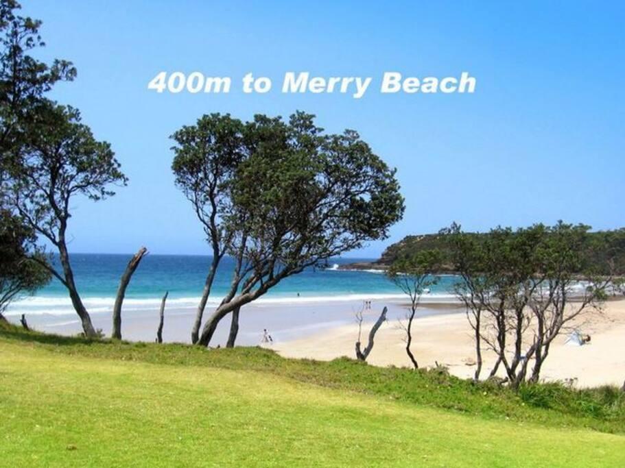 Just 3 minutes walk away. Kioloa Beach 5 minutes walk away.