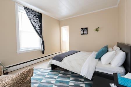 Comfortable Fishtown Master BDRM - Apartment