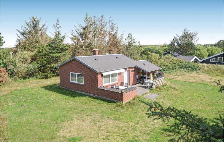 Holiday cottage with 2 bedrooms on 56m² in Vejers Strand