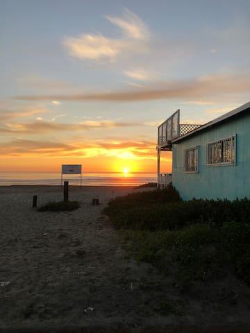 Casita del Mar - steps from playas de Rosarito