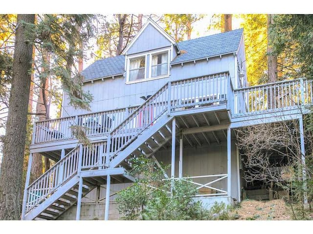 Life Is Better On the Deck! - Lake Arrowhead - House