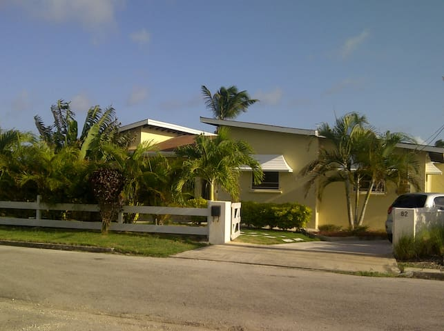 3 Bdr Villa - Sea Views - Pool - AC - Long Bay / St-Philip - Casa