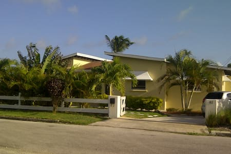 3 Bdr Villa - Sea Views - Pool - AC - Long Bay / St-Philip