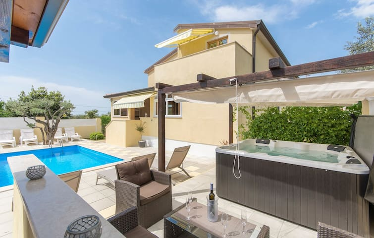 Apartment Complex Sani with Pool / One-Bedroom Apartment Sani III with Balcony and Pool View