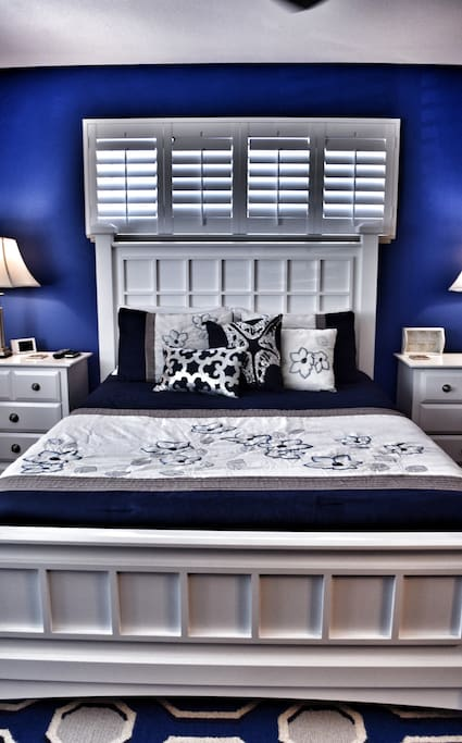 Luxurious linens and great beach Vacation themed room!