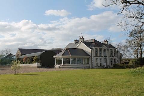 Ballyhargan Farmhouse Room 2