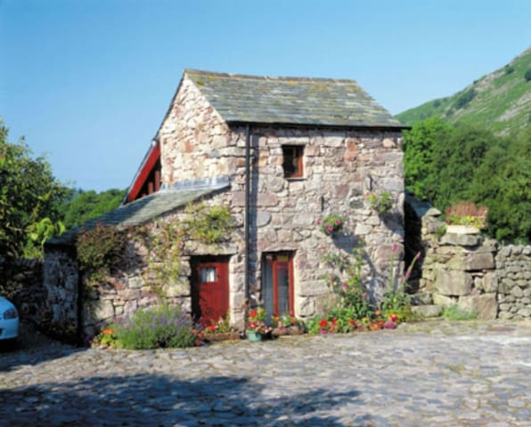 Stanley Ghyll 4* Cottage for 2, Select Cottages - Boot, Eskdale. - Rumah