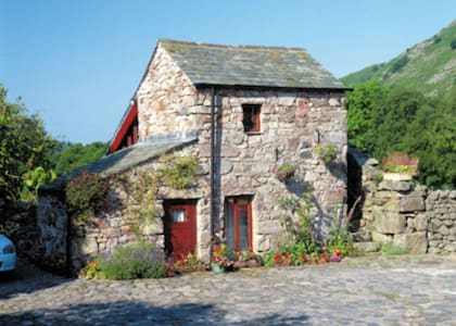 Stanley Ghyll 4* Cottage for 2, Select Cottages - Boot, Eskdale.