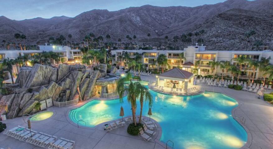 Palm Canyon Resort, Studio, April 22.