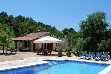 Peaceful Villa in Santa Cristina d'Aro with Swimming Pool