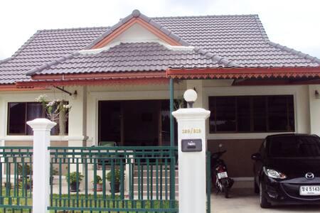 Noy's Chiang Mai Homestay - Chiang Mai San Klang - House
