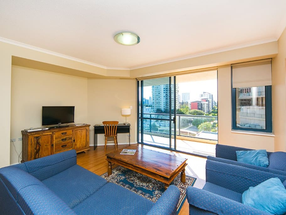 Two Bedroom Unit On The River Apartments For Rent In Kangaroo Point Queensland Australia
