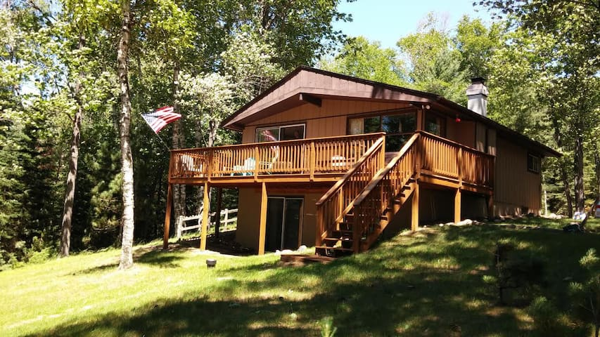 Fosters Lakehouse - Hiller Vacation Homes - Free WIFI - Little Saint Lake