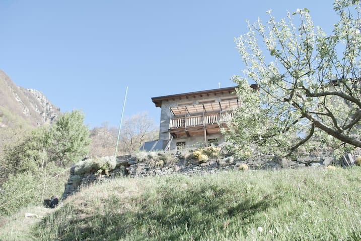 Mountain sweet mountain TICINO - Onsernone - บ้าน