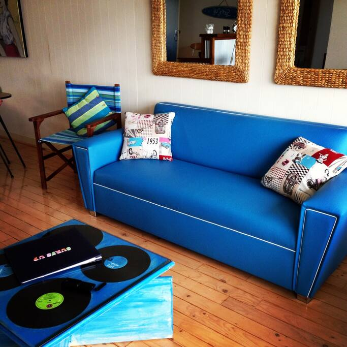 New original one of a kind retro designer couch
