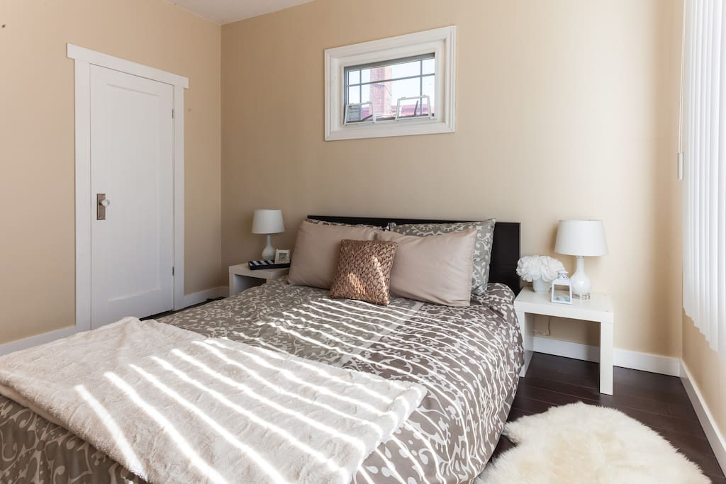 Cozy and Elegant Guest Bedroom (your room)