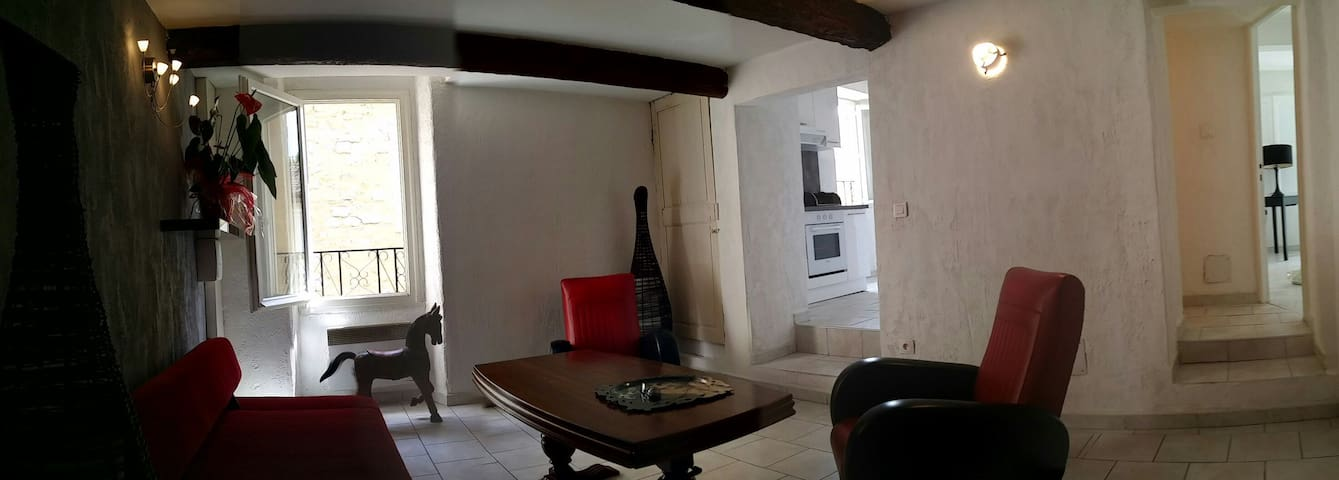 appartement entier - Roquemaure - Apartment